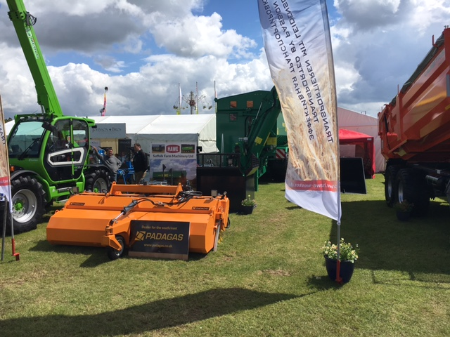 PADAGAS LTD DEALER ON SHOW IN NORFOLK