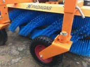 Spiral brush for snow removal