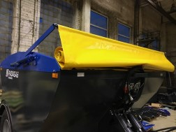 Tarpaulin cover for sand spreader on wheels