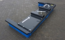 MK push broom with side brushes